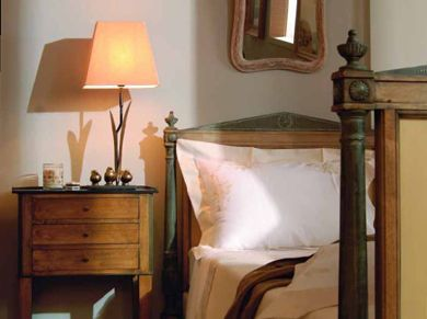 lit lampe et chevet incontournable trio elle d coration. Black Bedroom Furniture Sets. Home Design Ideas