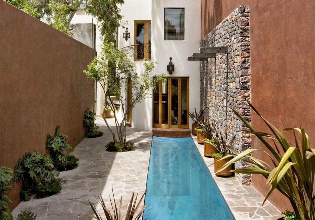 Le couloir de nage, la super piscine des jardins en longueur