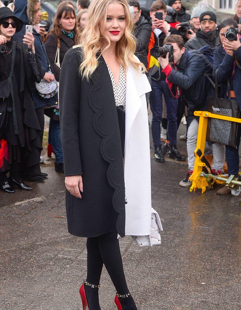 Ava Phillippe fait ses premiers pas en solo à la Fashion Week de Paris