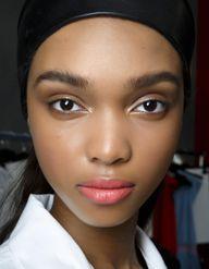 Peaux noires : Bien choisir son fond de teint