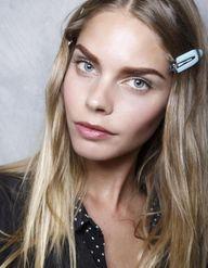 Hair strobing : la tendance qui illumine nos cheveux