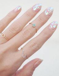 Glass Nails : on craque pour la nouvelle manucure des Coréennes ?