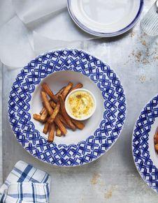 Frites de patates douces, mayo curcuma