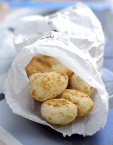 Pains au fromage brésiliens (pão de queijo)