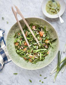 Salade d'asperges et truite