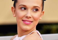 Comment refaire (absolument) le beauty look de Millie Bobby Brown aux SAG Awards
