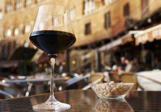 Incroyable, vin et cacahuètes seraient bons à la santé, et c'est la science qui le dit !
