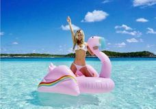Où shopper les jolies bouées pop qui envahissent Instagram ?