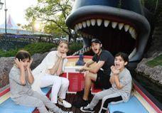 Céline Dion : découvrez les photos de l'anniversaire des jumeaux à Disneyland
