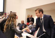 En images : quand Gisele Bündchen tombe littéralement sous le charme d'Emmanuel Macron