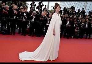 """Cannes 2018 : Louise Bourgoin illumine la montée des marches de """"Yomeddine"""""""