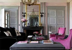 Chez Chantal Thomass, les dessous sexy du classicisme