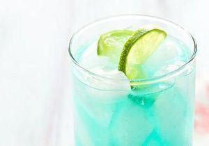 Des cocktails bleus pour encourager son équipe