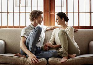 Couple : admirer son partenaire est-il le plus grand des tue-l'amour ?