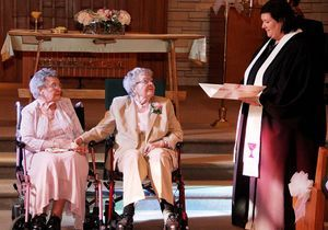 """""""Vive les mariées !"""" : après 72 ans de vie commune, elles se disent """"oui"""""""