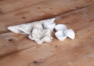 pliage serviette comment plier une serviette avec style elle. Black Bedroom Furniture Sets. Home Design Ideas