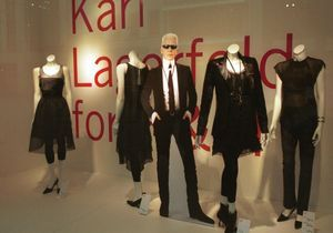 12 novembre 2004 : c'est ce jour-là que... on peut s'offrir du Karl Lagerfeld chez H&M
