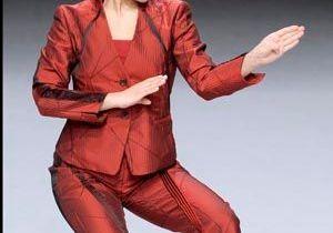 Défilé Issey Miyake : les mannequins font du karaté !