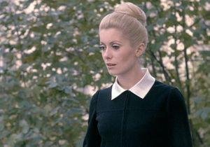 """Le look de la semaine : Catherine Deneuve dans """"Belle de jour"""""""
