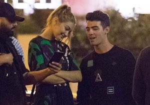 Gigi Hadid et Joe Jonas ensemble et heureux à Paris