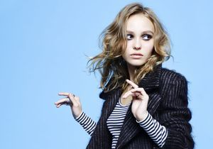 Lily-Rose Depp en couverture de ELLE cette semaine!