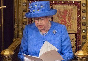 Pourquoi ce chapeau de la reine a-t-il été applaudi par des millions de personnes ?