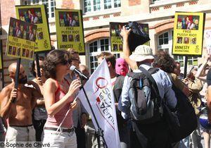 Retour en images sur la manifestation de soutien aux Pussy Riot