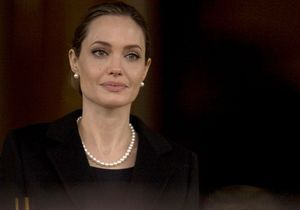 Les femmes de la semaine : Angelina Jolie, son ablation des seins pour éviter le cancer