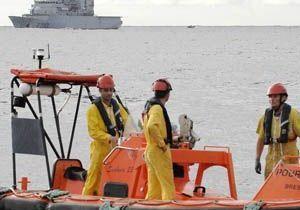 AF 447 : les corps du pilote et d'un steward identifiés