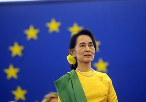 Aung San Suu Kyi acclamée par le Parlement européen