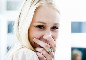 Charge émotionnelle : souriez, vous êtes... une femme !