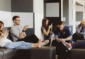 Etats-Unis : la solution miracle pour que les étudiants éteignent leur smartphone ?