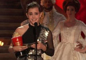 L'émotion d'Emma Watson en recevant le premier prix non-genré des MTV Movie Awards