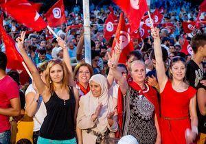 Tunisie : l'égalité femmes-hommes entre dans la Constitution