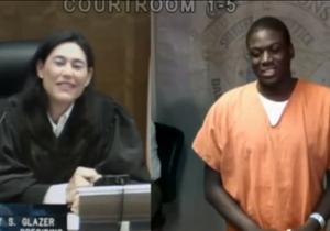 Une juge américaine reconnaît l'accusé : la vidéo fait le tour du Web