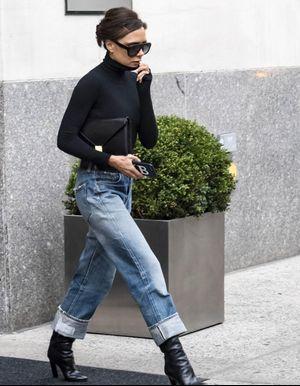 Victoria Beckham prouve que le jean boyfriend est toujours stylé