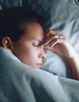 Pourquoi devriez-vous dormir dans le noir complet ?