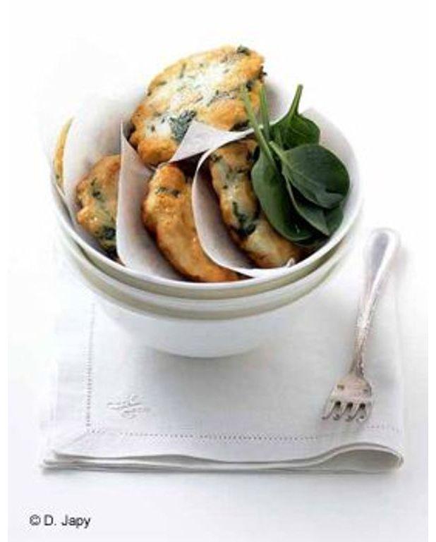 Petites galettes de poisson la coriandre pour 4 personnes recettes elle table - Recette de cuisine avec du poisson ...