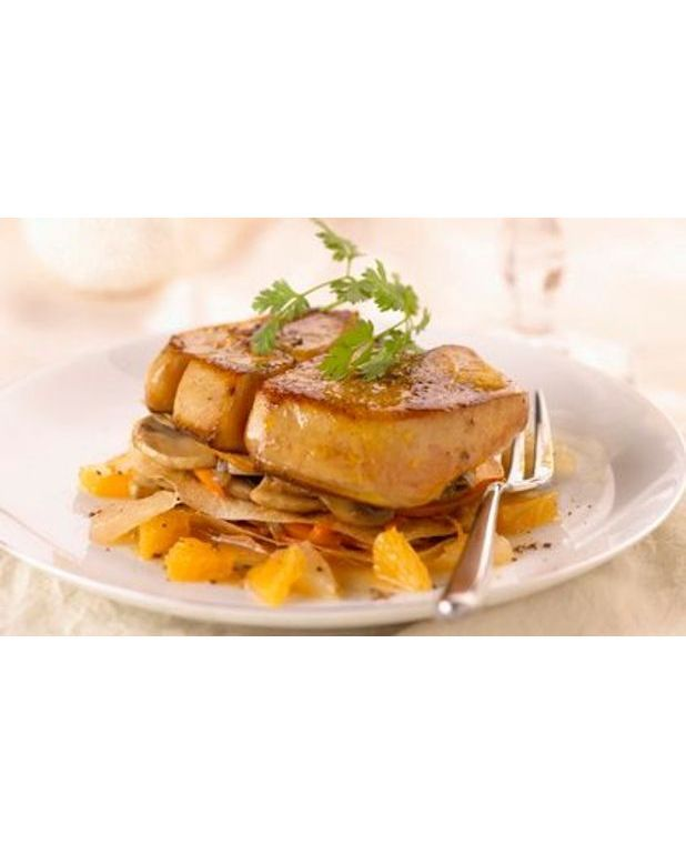 foie gras de canard po l aux agrumes pour 4 personnes recettes elle table. Black Bedroom Furniture Sets. Home Design Ideas
