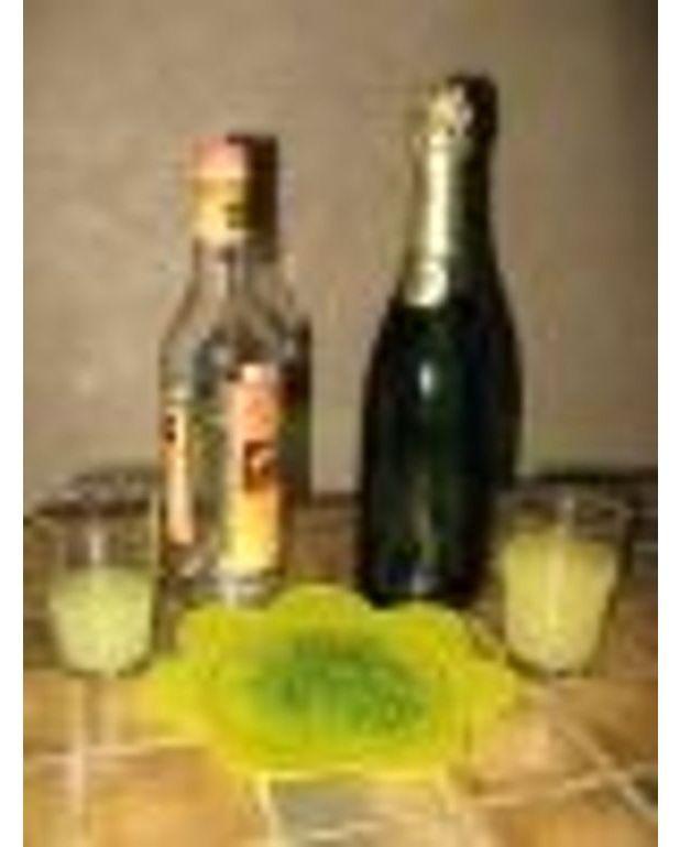 Cocktail au champagne pour 8 personnes recettes elle table for Cocktail au champagne