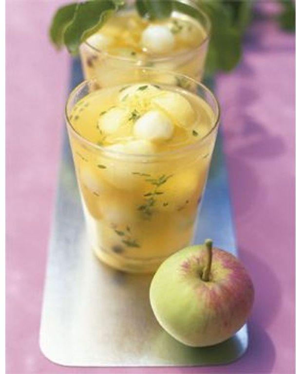billes de poires et de pommes au vin doux pour 4 personnes recettes elle table. Black Bedroom Furniture Sets. Home Design Ideas