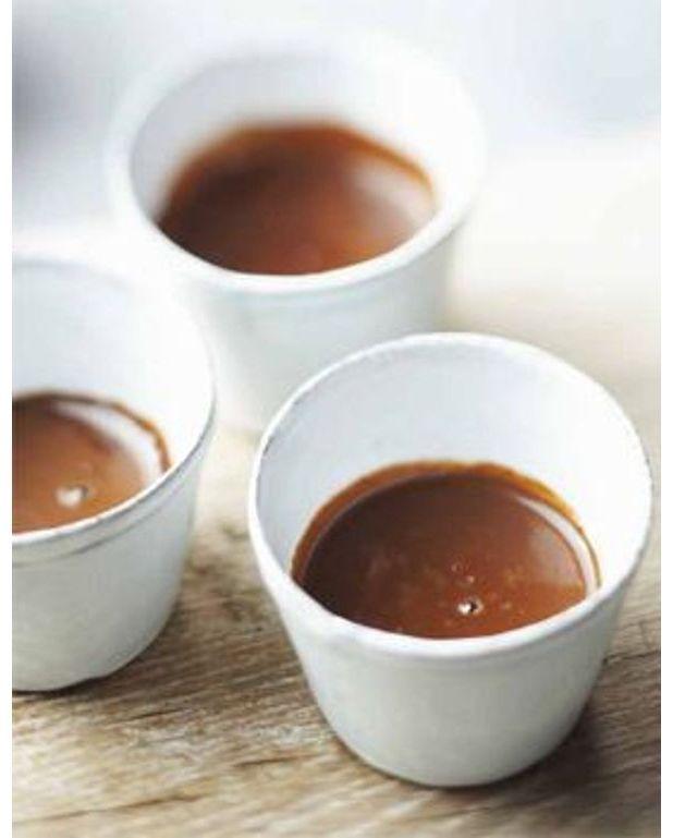 chocolat chaud fouett l 39 eau pour 2 personnes recettes elle table. Black Bedroom Furniture Sets. Home Design Ideas