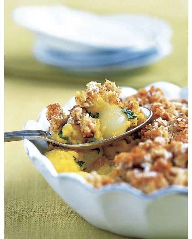 Crumble pommes oignons et curry pour 4 personnes recettes elle table - A bon verre bonne table recettes ...