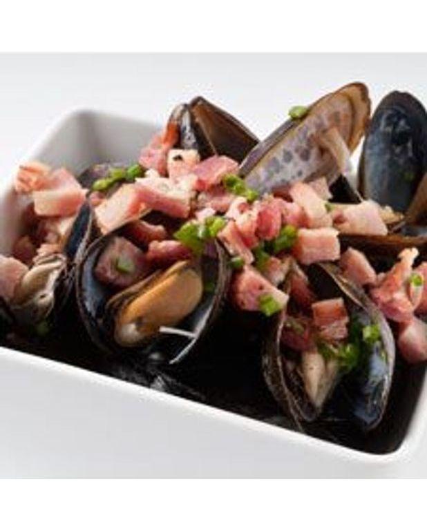 Moules au bacon et ciboulette pour 4 personnes recettes - C est au programme recettes de cuisine ...