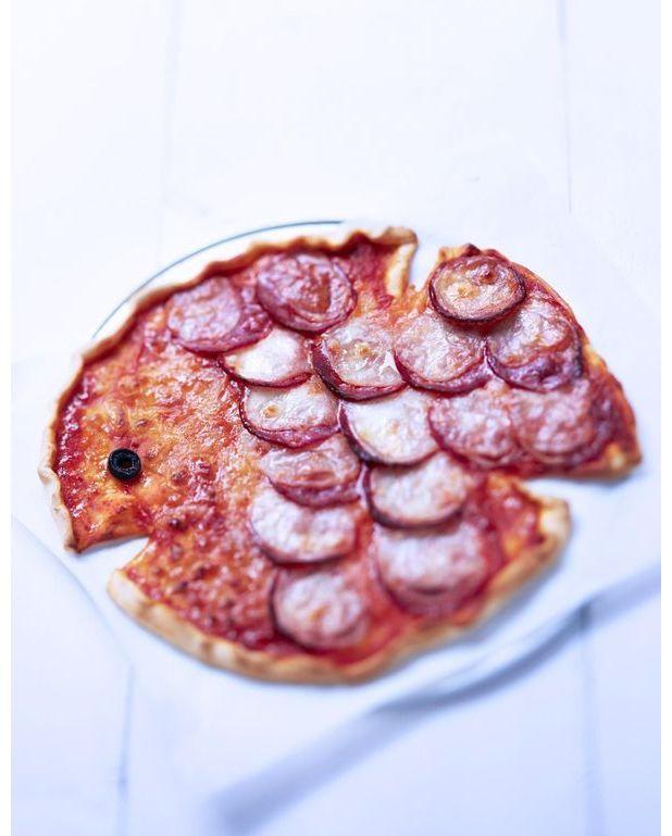 pizza en forme de poisson pour 4 personnes recettes elle table. Black Bedroom Furniture Sets. Home Design Ideas