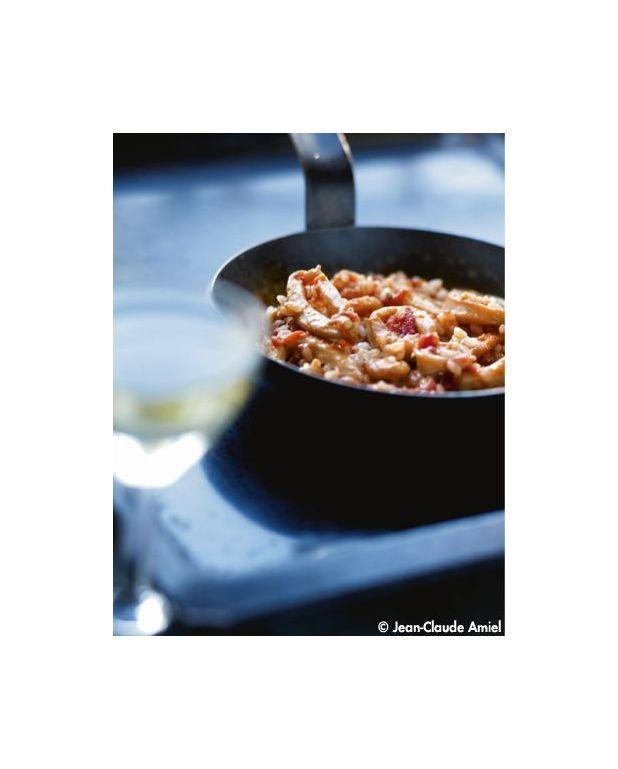 riz l espagnole calamars et vin blanc pour 4 personnes recettes elle table. Black Bedroom Furniture Sets. Home Design Ideas