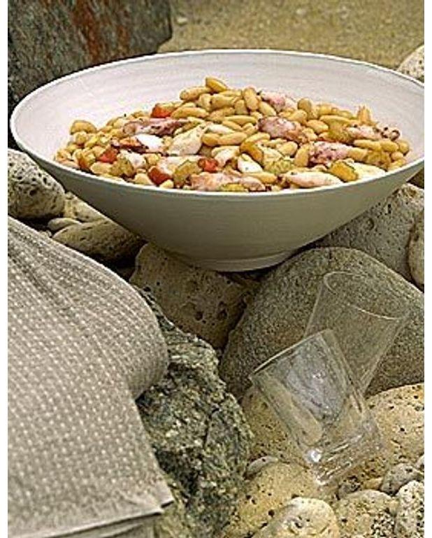 salade de haricots frais aux soupions pour 4 personnes recettes elle table. Black Bedroom Furniture Sets. Home Design Ideas
