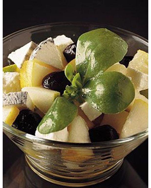 salade de poires au ch vre pour 6 personnes recettes elle table. Black Bedroom Furniture Sets. Home Design Ideas