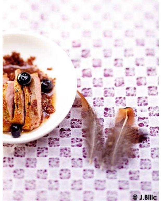 magrets de canette aux myrtilles poivre de sichuan quinoa rouge pour 6 personnes recettes. Black Bedroom Furniture Sets. Home Design Ideas