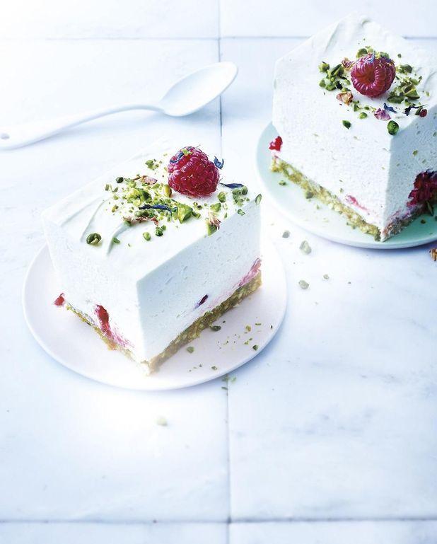 Cheesecake sans cuisson au chocolat blanc pistaches et framboises - Cheesecake framboise sans cuisson ...